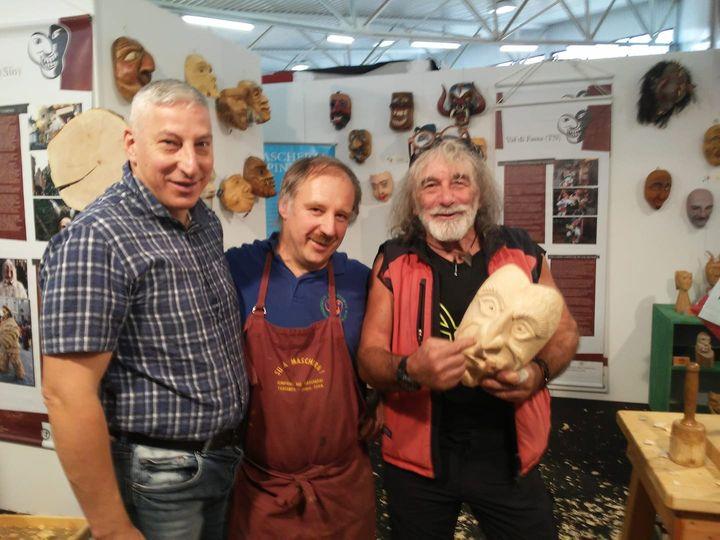 Ieri ultimo giorno ad Arredamont! Anche lo scultore / scrittore Mauro Corona ci ha fatto visita...