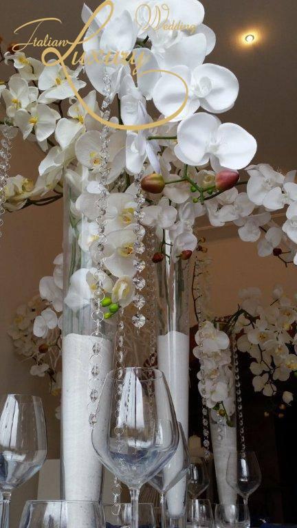 Orchid and cristals #weddingdecorations #decorations #luxurywedding