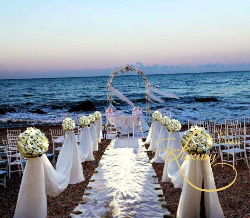 Location ceremony on the beach, wedding setting in #Italy