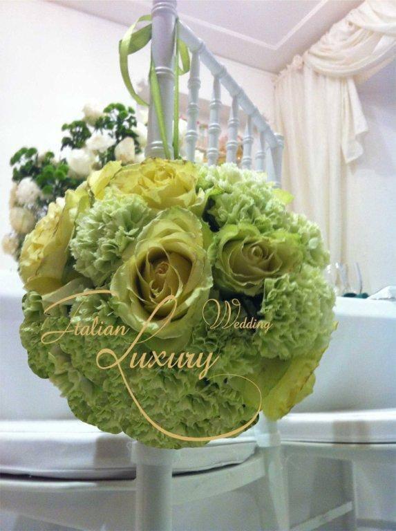 Green sphere decoration #weddingdecorations #decorations #luxurywedding