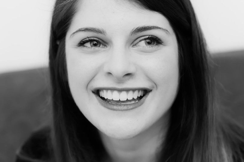 Grazie alle faccette estetiche in ceramica è possibile creare una corretta smile-line. Un volto bello come questo è stato illuminato ancora di più rispettando determinati canoni di  estetica, esaltando forma e caratterre dei denti anteriori. Il sorriso dei nostri pazienti è la nostra soddisfazione più grande.  Dr Federico Emiliani - Odontoiatria Specialistica Odt. Italian Dental Design