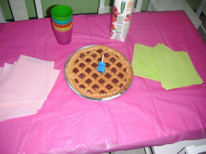 Stamattina all'asilo merenda speciale per tutti!!! abbiamo festeggiato il primo compleanno (anche se un pò in ritardo) del nostro amico William!!!!  ancora tanti auguri!!! <3 <3 <3