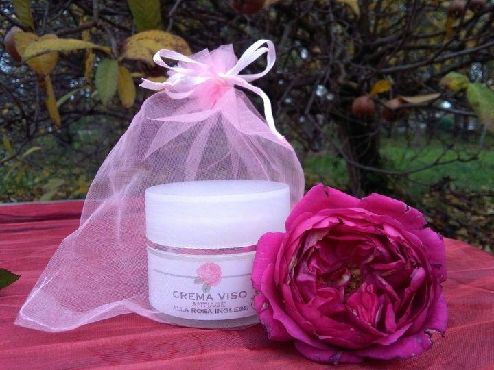 Crema viso antiage alla rosa