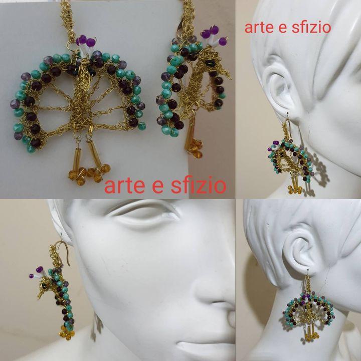 orecchini in filo metallico