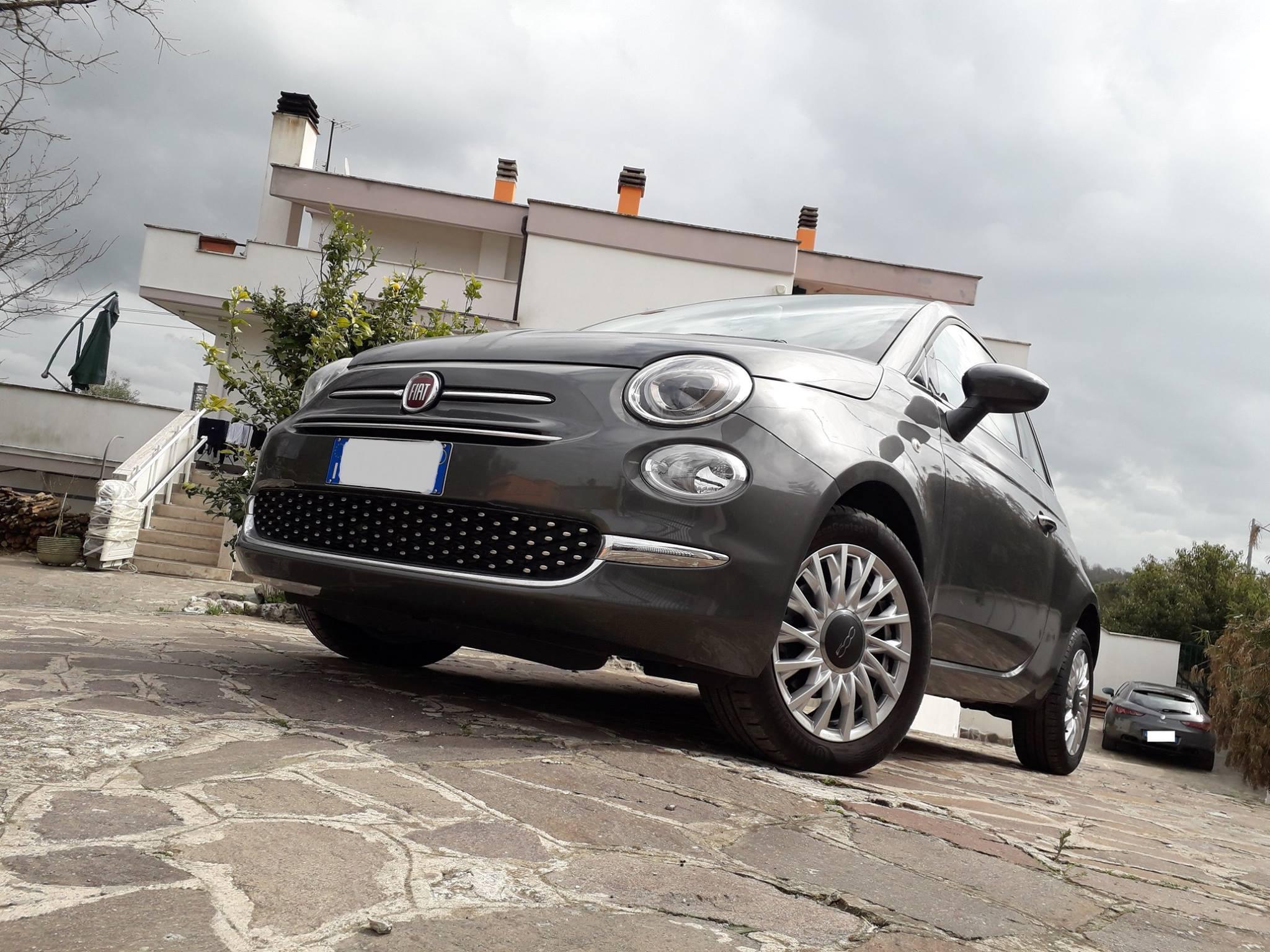 Fiat 500. Iconica citycar, spinta dal 1.2 a benzina da 69 CV nell'allestimento Lounge. Con cambio robotizzato Dualogic!  Euro 10.500,00 + p.p.!