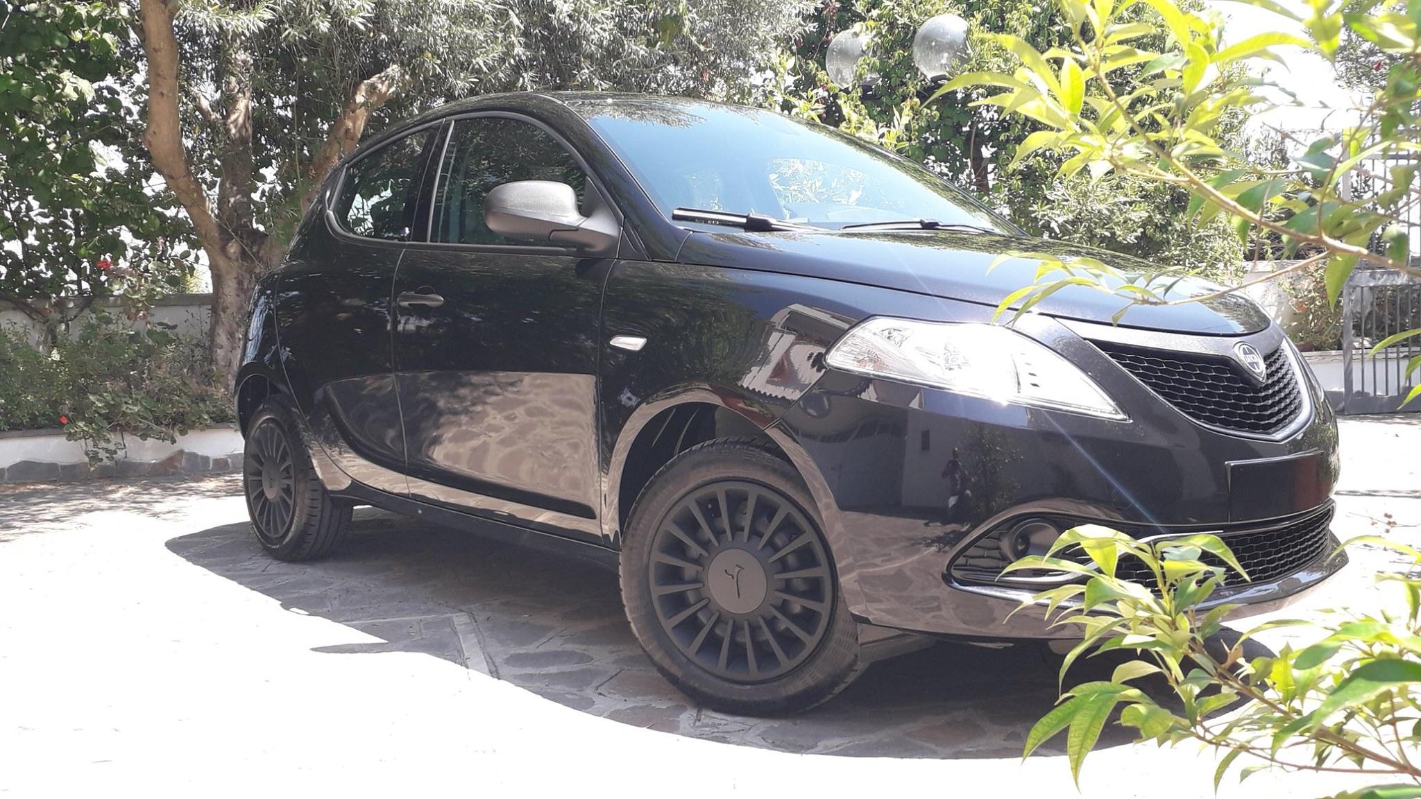 Lancia Ypsilon 1.2 69 CV S&S Euro 6d Temp, Elefantino Blu, ad Euro 10.100,00 + p.p.!