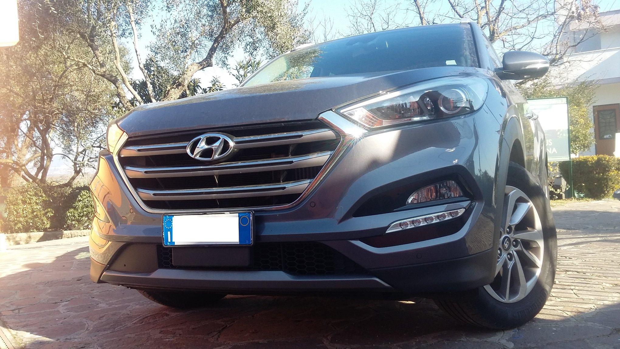 Hyundai Tucson 1.7 CRDi XPossible, gennaio 2016, condizioni pari al nuovo, km. 40.000 certificati, nazionale, unica proprietaria, iper accessoriata, ad €. 17.000,00 + p.p.!